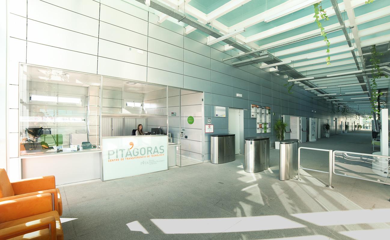 entrada-edificio-pitagoras