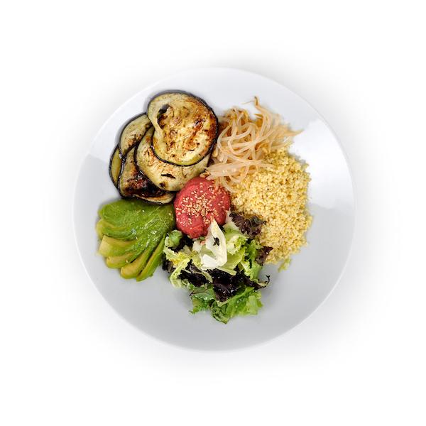 Humus de remolacha con pollo y verduras
